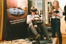 Vi byggde en egen körskola i VR