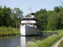 Naturen begränsar för vissa passagerarbåtar på Göta kanal