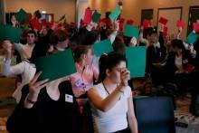 Gymnasieelever beslutar om högaktuell politisk fråga