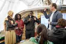 Skibet var ladet med afrikanske armbånd, europæiske menneskerettigheder og libanesiske skolehaver