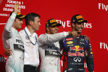 Hamilton och Rosberg etta och tvåa i USAs GP efter identiska däckstrategier