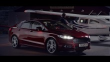 "«The Fast and the Furious""-regissøren skapte dramatisk reklamefilm for nye Ford Mondeo på Sandane flyplass"