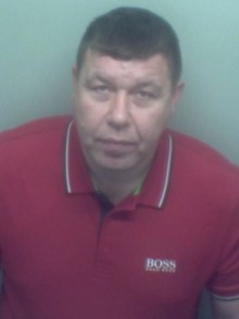 'Window tapping' tobacco smuggling duo jailed