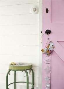 Giv dine døre og paneler nyt liv med Sadolin Træ & Metal V SUPER