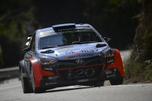 Dubbelt Hyundai Motorsport på pallen i Rally de España