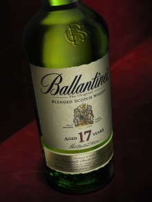 Den 2 maj lanserar vi Ballantine's 17 yo