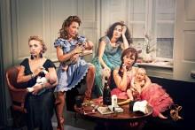 Folketeatret præsenterer MØDRE - et comedyshow i babyformat med Szhirley, Julie Ølgaard, Mathilde Norholt og Lykke Sand