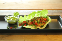 Cosmopolitansallaten, ett fräscht och gott tacoskal!