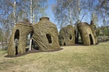 Världsberömde Patrick Doughertys skulptur   står nu färdig på Astrid Lindgrens Näs!