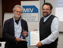 Milch-Wissenschaftlicher Innovationspreis des MIV geht an Prof. Heller