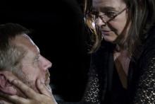 Teater Tofta gästspelar med intensiv Norénpjäs på Folkteatern