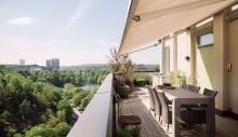 Wrede säljer 20-talsvilla på taket med trädgård, spabad och utedusch