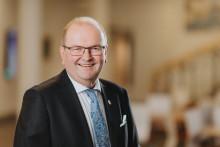Pressinbjudan: Landshövdingen summerar sin tid i Värmland och ger en smygtitt av porträttmålning