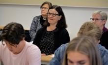 Utbildningsminister Anna Ekström besökte kristen friskola