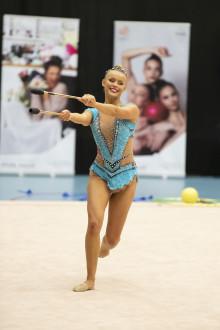 Guld till Alva Svennbeck, GF Uppsalaflickorna, på SM i rytmisk gymnastik