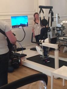 Gwendolyn Rutten bezoekt eerste hoogtechnologisch revalidatiecentrum van België.