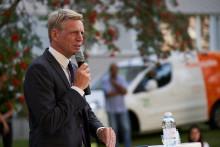 Bostadsministern invigde solceller och minglade i Flogsta
