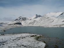 Med skidor till Nordpolen – är det så vi ska färdas för att spara miljön?