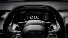 A vadonatúj Ford GT szupersportkocsi digitális műszere már a jövőt mutatja