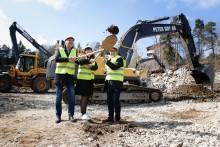 Första spadtag för 155 ungdomsbostäder i Tullinge