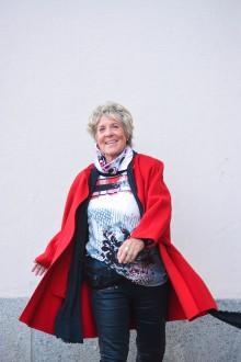 Catharina Ingelman-Sundberg signerar sin nya bok om Pensionärsligan