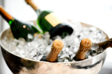 Winefinder.com launches unique champagnes in old vintages