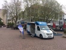 Beratungsmobil der Unabhängigen Patientenberatung kommt am 25. Juli nach Friedrichshafen.