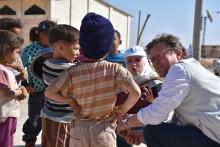 """""""Sie sehen dich mit leeren, traurigen Augen an"""" / So schlimm steht es um die Kinder Syriens"""
