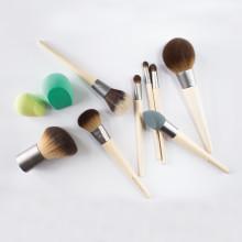 EcoTools  lanserar ett exklusivt urval av makeupborstar och sponges  på H&M