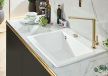 Matte Oberflächenveredelung TitanGlaze von Villeroy & Boch – Neuer, trendstarker Farbton Stone White für alle Keramikspülen