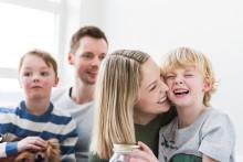 Ja til å lære barn å spare, bruke, tjene og dele penger!