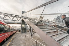 Åpning av nedgang fra Akrobaten til plattform 2 på Oslo S