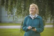 Ny app i mobilen hjälper män med urinläckage