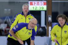 Curling: Sverige klara för slutspel i Mixed-VM