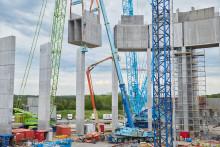 Ett jättekliv framåt för Helsingborgs nya landmärke – vattenreservoaren lyfts på plats