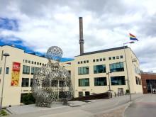 Avslutningsfest med utomhuskonsert och burleskshow när Borås Pride går i mål på Textile Fashion Center