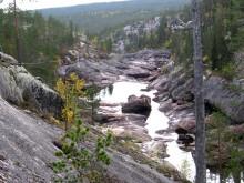 Svenska klippraviner bildades av floder under istäcket