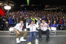 全日本ロードレース選手権 「YAMAHA JSB 2018シーズン 最終戦セレモニー」で500人のファンに感謝