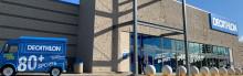 """""""Retail on Smartphone"""" - NewStores Omnichannel System ersetzt traditionelle Kassen:  Weltgrößter Sportartikel-Einzelhändler Decathlon setzt bei globaler Expansion auf bargeldlose Filialen"""
