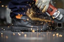 Latour förvärvar EMMA Safety Footwear B.V.