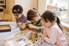 Förskolans dag – barnen på Norrmalms kommunala förskolor ställer ut i Observatorielunden