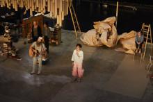 Brecht tonsätts av Göteborgsduon BF/C på Folkteatern