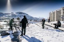 Tv-kocken Tareq Taylor spelar in internationellt matlagningsprogram i Jokkmokks fjällvärld om världsarvet Laponia