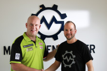 Maschinensucher.de wird Trikotsponsor von Darts-Superstar Michael van Gerwen und Hauptsponsor der Darts-WM auf Sport1