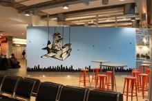 Hama Woods dekorer terminalen på Sola