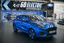 A fordulópont: 2022-re a Ford új elektromos autóinak kínálata túlszárnyalja majd a dízel- és benzinmotoros modellekét