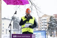 Borgarrådet Naddebo genomförde första gjutningen i Sköndal
