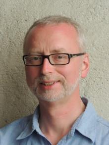 Dick Harrysson föreläser i Varnhems klosterkyrka