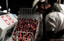 Läkare Utan Gränser: över 600 räddade på Medelhavet måste landsättas omedelbart