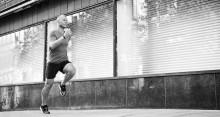 Yogobe sänker ribban för män som vill testa yoga som komplement till löpträning